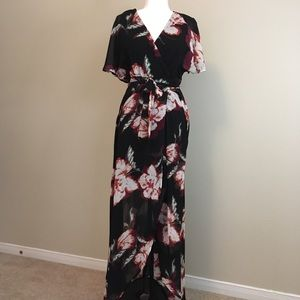 Dresses & Skirts - Luxology maxi dress. Size 6